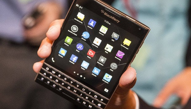 "BlackBerry ""Passport"""