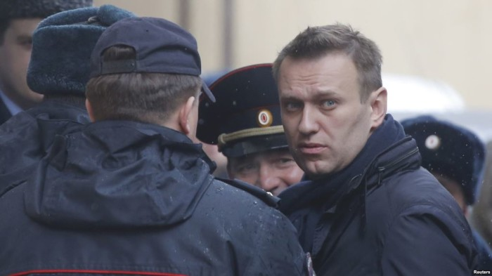 Photo of Autoritetet ruse e arrestuan liderin opozitar Aleksei Navalny