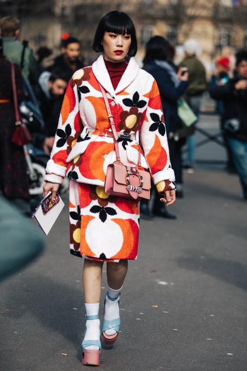 paris_fw2017_voguefr_day7__20170307_8976_jpg_8349_north_499x_white